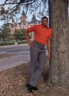 Charles Barkley...back in the day at Auburn. (Samford Hall in the background)