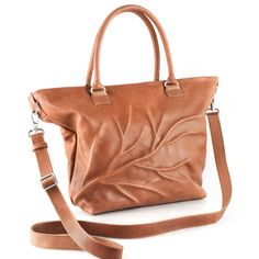 Clearly inspired by nature is this shopper with a vein. Available in 3 naturale colours of soft genuine leather. With extra shoulderstrap W H Leather Bag Tutorial, Leather Bag Pattern, Coin Bag, Yellow And Brown, Leather Working, Camel, Twins, Van, Shoes