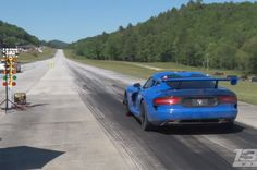 While most people aim for quarter-mile drag strip bragging rights, some shoot for even more impressive acceleration goals. This video show the owner of a fifth-generation Dodge Viper attempting to put down a 200-mph pass at the 1/2 Mile Shoot-Out down in Georgia. Power for the car comes from a twin-turbocharged 8.4-liter V-10 boosting power to 1,250…