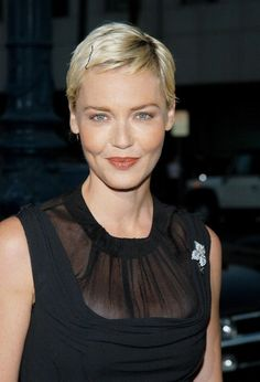 Connie Nielsen Super Short Pixie, Short Sassy Hair, Very Short Hair, Short Hair Cuts, Pixie Hairstyles, Short Hairstyles For Women, Pixie Haircut, Cool Hairstyles, Haircut Style