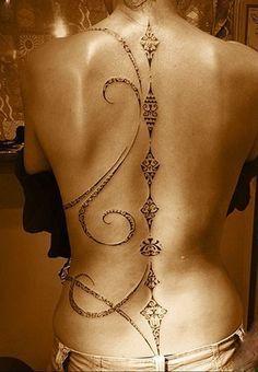 women back tattoos spine \ women back tattoos ; women back tattoos full ; women back tattoos spine ; women back tattoos small ; women back tattoos classy ; women back tattoos shoulder ; women back tattoos cover up ; women back tattoos spine quotes Diy Tattoo, Tattoo Set, Lace Tattoo, Tahitian Tattoo, Feminine Back Tattoos, Body Art Tattoos, Tatoos, Arabic Tattoos, Tattoos Skull