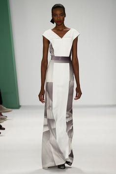 Carolina Herrera Spring 2015 Ready-to-Wear Fashion Show - Maria Borges