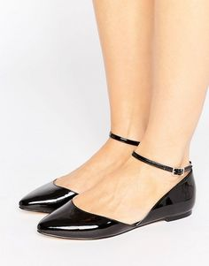 Faith Ali Asymmetric Pointed Flat Shoes