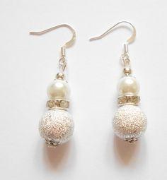 White earrings, Pearl earrings, Bridesmaid earrings, Pearl drop earrings, Bridesmaid gift, Bridal earrings, Dangle earrings