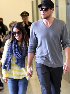 Lea & Cory: Happy LandingNo post-vacation blues here! Following their romantic getaway, Lea Michele and Cory Monteith are in high spirits after touching down at LAX on Jan. 5.