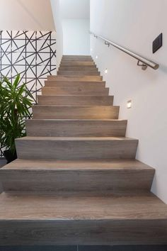 Betonnen Z trap bekleed in NEWstairs Oak Vintage Stairs, Rvs, Staircases, Vintage, Design, Home Decor, Stairway, Decoration Home, Room Decor