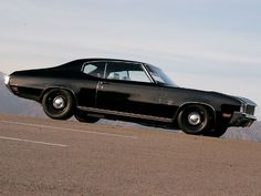 Buick Gran Sport (1970) - I have to say, I'm really starting to appreciate the understated, steel-wheeled, muscle car look...K