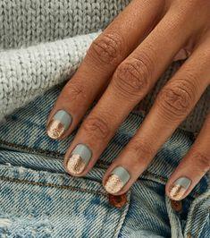 Apr 2020 - Summer Nail Art 685743480746897590 - 44 best nail designs 2019 nail art design ideas short nail art designs simple Source by emelinecmacopine Short Gel Nails, Short Nails Art, Short Nail Manicure, Minimalist Nails, Minimalist Fashion, Cute Nails, Pretty Nails, Stars Nails, Snowflake Nails