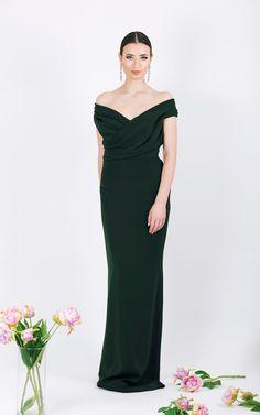Long evening gown      Straight skirt shape     <span...