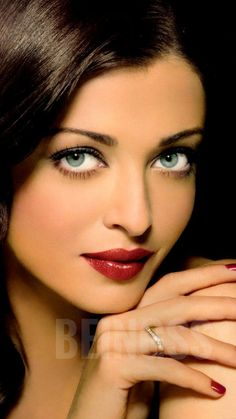 Hot Actresses, Indian Actresses, Beautiful Christina, Aishwarya Rai Bachchan, First Daughter, Miss World, Portraits, Beauty Queens, Ankle Straps