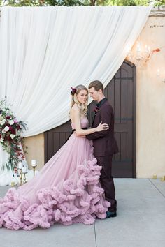 Pink wedding dress @ Los Robles Greens in Thousand Oaks- Outdoor Wedding Venue photo: Jenny Quicksall