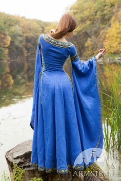 "Wide sleeves and skirt - Linen Medieval Dress ""Lady of the Lake"""