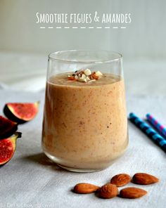 Fresh figs are among my favorite seasonal fruits at the moment. Combine figs in a delicious almond smoothie to get even more healthy benefits in one drink - 12 Healthy Breakfast Recipes Smoothie King, Smoothie Bowl, Smoothies Vegan, Smoothie Recipes, Vegetable Smoothies, Blender Recipes, Healthy Breakfast Recipes, Healthy Drinks, Food And Drink