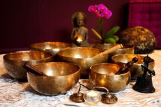 Metal Singing Bowls for Space Clearing, Feng Shui Tips to Attract Good Luck. Did you know we sell Brass Meditation Bowls? Available in store and online Singing Bowl Meditation, Meditation Space, Healing Meditation, Meditation Music, Meditation Practices, Feng Shui Cures, Feng Shui Tips, Reiki, Chakra Heilung