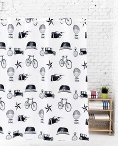 Shower curtain Vintage object black and white for an unique bathroom. Cute Curtains, Original Vintage, Interiors Online, Interior Decorating, Interior Design, Style Retro, Retro Fashion, Photo Wall, Black And White