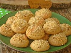 Lemon Cookies with Hazelnuts, Cookie Recipes Lemon Cookies, Flan, Cookie Recipes, Muffin, Dinner Recipes, Food And Drink, Homemade, Vegetables, Breakfast