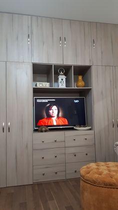 Bedroom Tv Wall, Small Room Bedroom, Closet Bedroom, Home Decor Bedroom, Living Room Decor, Living Room Tv Unit Designs, Bedroom Cupboard Designs, Bedroom Cupboards, Diy Home Furniture
