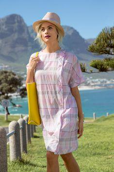 Платье с рукавами кимоно - выкройка № 107 А из журнала 6 2015 Burda –  выкройки платьев на c321a83a799