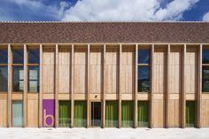 Since 1998 the Web Atlas of Contemporary Architecture Healthcare Architecture, Timber Architecture, Architecture Office, Contemporary Architecture, Architecture Details, Facade Design, Roof Design, Building Facade, Building Design