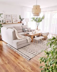Lovely and bright living area making you feel at home! Who's a fan of light-col. Living Room Goals, Rugs In Living Room, Home And Living, Living Room Decor, Living Area, Interior Design Living Room, Living Room Designs, Deco Boheme Chic, Apartment Interior