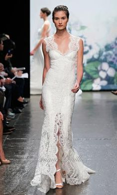 Monique Lhuillier is having their very last bridal trunk show for their Fall 2012 collection this weekend! If you are a bride who is still. Lace Wedding Dress, 2015 Wedding Dresses, Wedding Dress Styles, Wedding Gowns, Lace Dress, Lace Skirt, Vestidos Boutique, Boutique Dresses, Monique Lhuillier Bridal