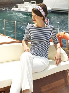 great outfit idea / striped top and white pants Nautical Outfits, Nautical Fashion, Nautical Clothing, Nautical Tops, Boat Fashion, Rock Clothing, Nautical Stripes, Nautical Style, Punk Fashion