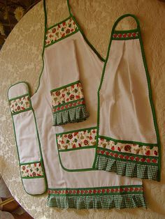 Mom  daughter or grandma and granddaughter kitchen set!