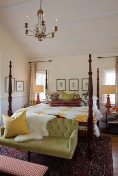 Master master-bedroom perfect! cathedral ceiling - chandelier - four post bed - windows on either side - green velvet settee