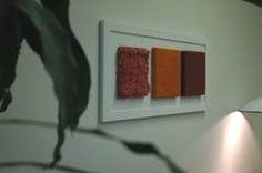 Daydreams-seinätekstiiliteos, yksityiskohta 33-osaisesta seinätekstiilikokonaisuudesta // Tilaaja/Clent: Hämeenlinnan Kaupunginkirjasto // Suunnittelija/Designer: Heini Hirvelä, 2006 // Yhteistyökumppanit/Partners: Tiina Saivo ja Tekstiiliverstas