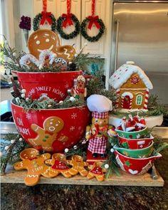 Christmas Kitchen, Christmas Deco, Christmas Home, Christmas Wreaths, Christmas Ornaments, Christmas Gingerbread, Sweet Home, Holiday Decor, Crafts