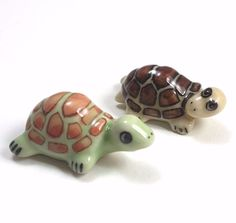 2 Turtles Handcrafted Miniature Porcelain Ceramic Figurine Dollhouse Collectible