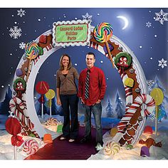 Spice up your Holiday events with this great Gingerbread Arch. It's perfect for welcoming guests to your event or using as a photo background! You can even personalize the arch with your event information!