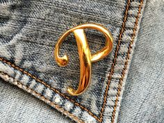 VTG SIGNED ANNE KLEIN INITIAL P MONOGRAM BROOCH SHINY GOLD TONE man woman #AnneKlein