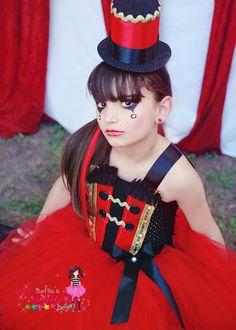 Traje del tutú del anillo principal en negro rojo y oro Este único traje de mi serie de circo es absolutamente adorable y un colector del ojo. No se encuentra esta pequeña joya donde más! :) Coordinación de sombrero no incluido, pero puede ser agregado para $24 *** Trajes de