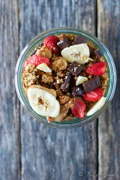 This Paleo Banana Split Granola with Hemp Hearts is the perfect healthy snack or breakfast! Super Healthy Recipes, Paleo Recipes, Whole Food Recipes, Free Recipes, Healthy Pastas, Healthy Foods To Eat, Healthy Snacks, Quick And Easy Breakfast, Healthy Breakfast Recipes