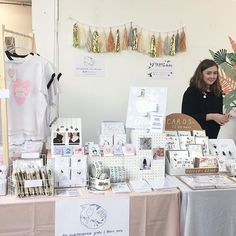 ✨✨✨ all set up at today 💕💕💕 Craft Fair Displays, Card Displays, Craft Show Table, Display Design, Display Ideas, Artist Alley, Craft Fairs, Handmade Crafts, Gallery Wall