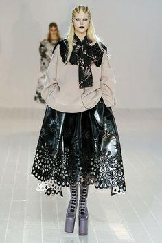 2016-17秋冬プレタポルテコレクション - マークジェイコブス(MARC JACOBS)ランウェイ コレクション(ファッションショー) VOGUE JAPAN