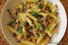 makaron z tuńczykiem i pietruszką. Penne, Pasta, Fusilli, Asparagus, Spaghetti, Vegetables, Ethnic Recipes, Fit, Studs