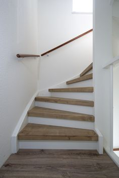 Small Space Staircase, House Staircase, Staircase Design, Decoration Cage Escalier, Montana Homes, Staircase Makeover, Guest Room Office, Attic Remodel, Interior Stairs