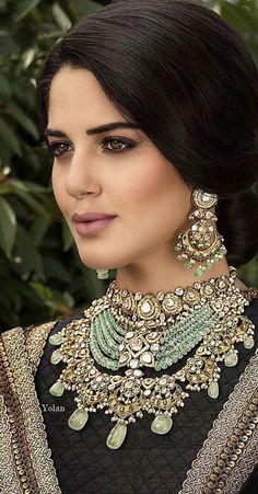 The Indian bride is synonymous with many things, and Indian bridal jewellery is certainly one of them! Pakistani Jewelry, Indian Wedding Jewelry, Bridal Jewelry, Indian Bridal, Gold Jewelry, Bollywood Stars, Stylish Jewelry, Fashion Jewelry, Bridal Jewellery Inspiration