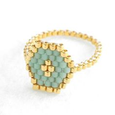 Tendance Joaillerie 2017 Hexagon Mint Ring Hexagon Ring Geometric Ring Beaded Ring Mint and Gold Skinny Ring Stacking Ring Spring Colors Modern Romantic