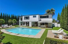 View 56 photos of this $2,835,000, 6 bed, 3.0 bath, 3908 sqft single family home located at 1438 Santiago Dr, Newport Beach, CA 92660 built in 1965. MLS # OC17045944.