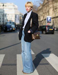 Wide leg light wash jeans? Check! Black blazer? Check! Button-up? Check! Crossbody? Check! Lovely.