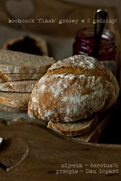 Flash loaf - a quick bread wheat - rye Country Bread, Bread Bun, Bread And Pastries, Polish Recipes, Crackers, Rolls, Tasty, Chocolate, Baking