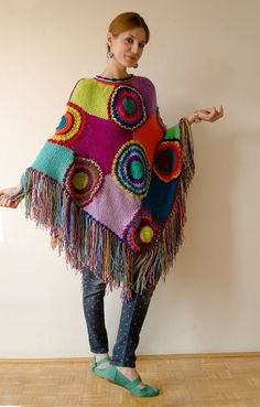 Plus Size Kleidung Poncho Frauen Cape Boho bunt Poncho Cape, Poncho Shawl, Knit Or Crochet, Crochet Shawl, Crochet Clothes, Diy Clothes, Women's Capes & Ponchos, Capes For Women, Plus Size Outfits
