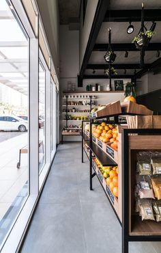Supermarket Design, Retail Store Design, Home Room Design, Shop Interior Design, Vegan Store, Vegan Market, Fruit Shop, Meat Markets, Shop Interiors