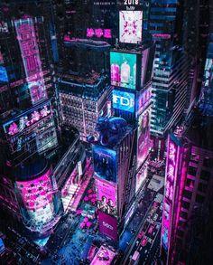 New Artwork in Cyberpunk style. Let me know what u think about it :) Cyberpunk Aesthetic, Cyberpunk City, Arte Cyberpunk, Futuristic City, Cyberpunk Fashion, Aesthetic Japan, Neon Aesthetic, Pen & Paper, Sci Fi City