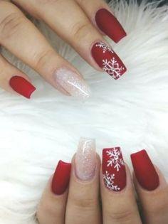 Unghie per Natale le idee nail art più belle del web a cui ispirarsi - Xmas Nails - Nägel ideen - Cute Christmas Nails, Christmas Nail Art Designs, Xmas Nails, Holiday Nails, Christmas Christmas, Christmas Ideas, Nails Yellow, Red Nails, Cute Acrylic Nails