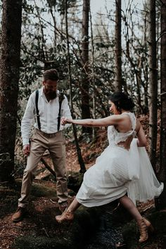We admire this bride's bravery to hike through the forest in those (gorgeous) heels! | Image by Fox & Owl Studio