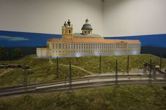 Stift Melk in Österreich. Loki, Budapest, Mansions, House Styles, Hungary, Model Train, Landscape, Manor Houses, Villas